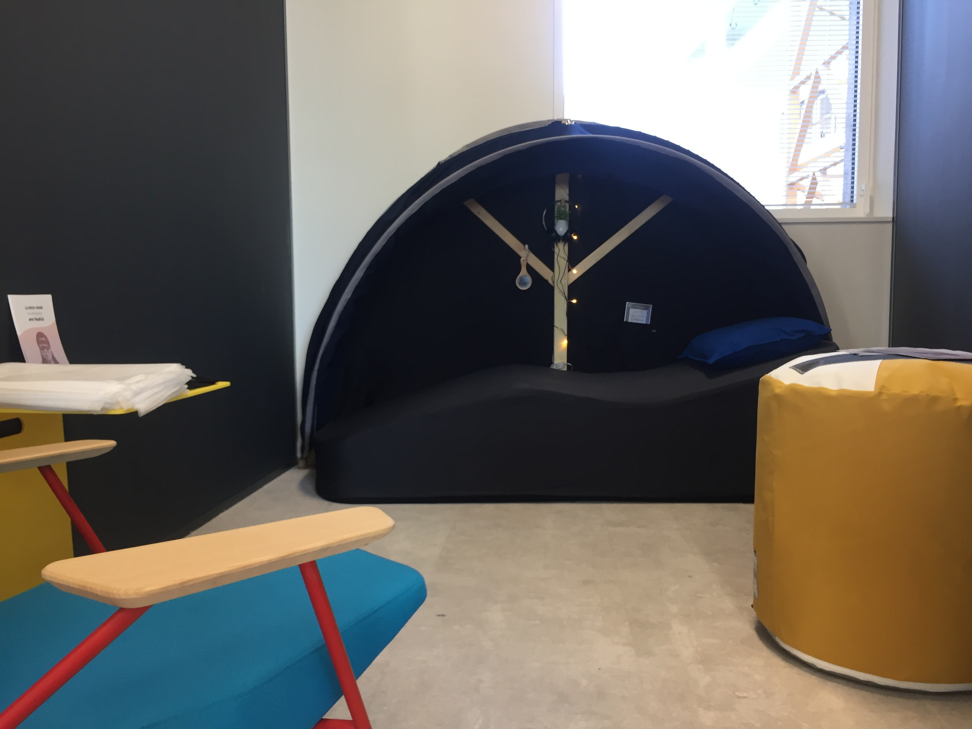 Installation d'un espace de sieste chez L'Occitane - sieste au travail - sieste en entreprise