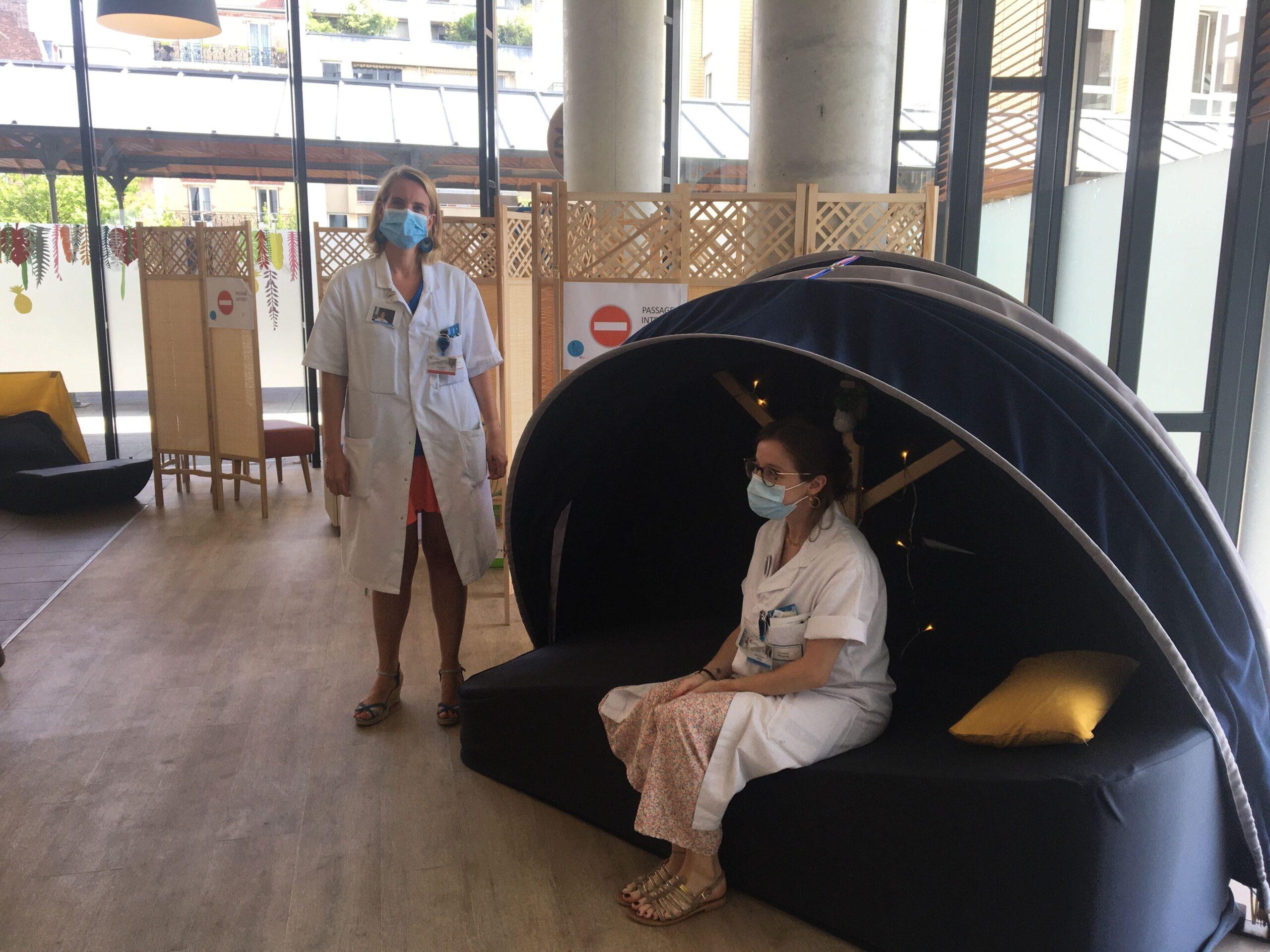 A l'hôpital Saint-Joseph, le personnel soignant a la possibilité de faire des siestes dans les cocons Nap&Up